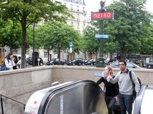 10.06.08-1015  パリ メトロ5.jpg