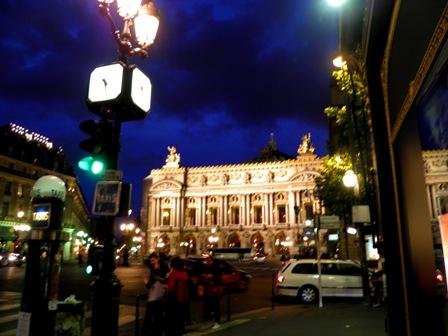 10.06.08-1072  パリ オペラ座2.jpg