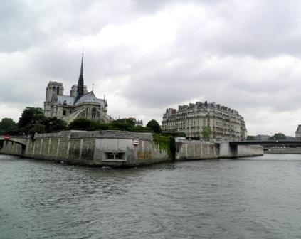 10.06.09-0306  パリ セーヌ川6.jpg