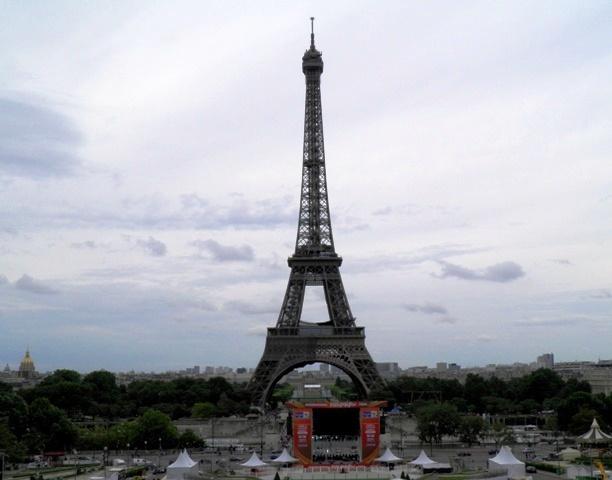 10.06.08-1001  パリ エッフェル塔1.jpg