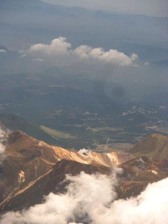 10.10.12-001  阿蘇山火口1.jpg