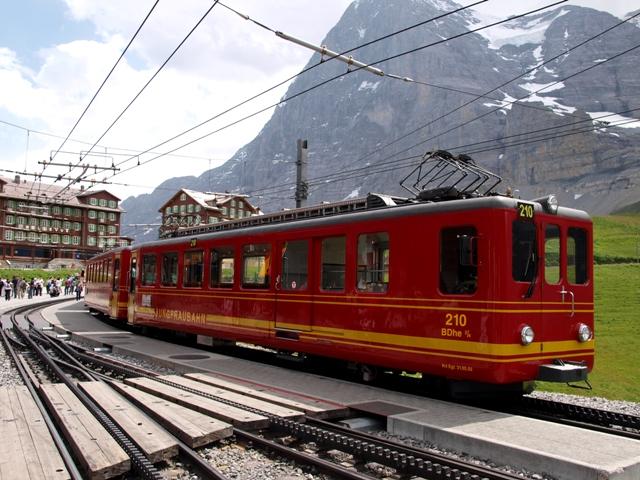 登山電車9A.jpg